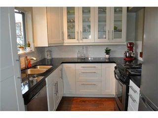 Photo 3: 2 1568 E 22ND Avenue in Vancouver: Knight Townhouse for sale (Vancouver East)  : MLS®# V881761