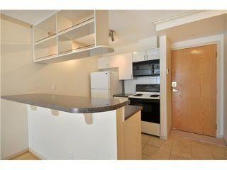 """Photo 2: 2908 939 HOMER Street in Vancouver: Yaletown Condo for sale in """"THE PINNACLE"""" (Vancouver West)  : MLS®# V910443"""