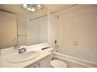 """Photo 7: 2908 939 HOMER Street in Vancouver: Yaletown Condo for sale in """"THE PINNACLE"""" (Vancouver West)  : MLS®# V910443"""