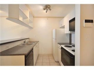 """Photo 3: 2908 939 HOMER Street in Vancouver: Yaletown Condo for sale in """"THE PINNACLE"""" (Vancouver West)  : MLS®# V910443"""