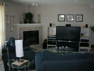 Photo 2: 3513 - 25 Street: House for sale (Wildrose)  : MLS®# E3038083