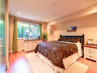 """Photo 10: # 101 1950 E 11TH AV in Vancouver: Grandview VE Condo for sale in """"LAKEVIEW PLACE"""" (Vancouver East)  : MLS®# V1034713"""