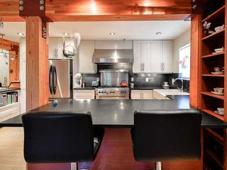 """Photo 6: # 101 1950 E 11TH AV in Vancouver: Grandview VE Condo for sale in """"LAKEVIEW PLACE"""" (Vancouver East)  : MLS®# V1034713"""