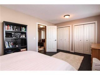 Photo 12: 143 MT DOUGLAS Manor SE in CALGARY: McKenzie Lake Townhouse for sale (Calgary)  : MLS®# C3597581