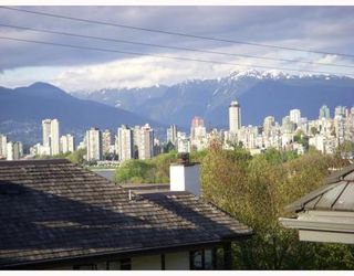 Photo 1: 2429 1ST Ave in Vancouver West: Kitsilano Home for sale ()  : MLS®# V765902