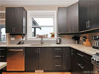 Photo 7: 937 Step Moss Close in VICTORIA: La Happy Valley House for sale (Langford)  : MLS®# 664123