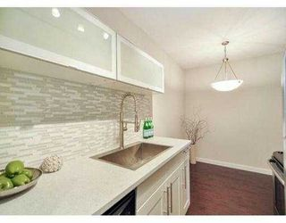 """Photo 10: 204 630 CLARKE Road in Coquitlam: Coquitlam West Condo for sale in """"KING CHARLES COURT"""" : MLS®# V1054989"""