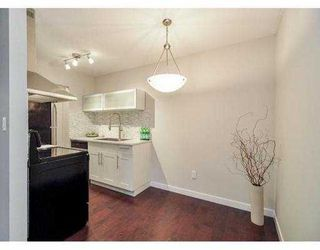 """Photo 7: 204 630 CLARKE Road in Coquitlam: Coquitlam West Condo for sale in """"KING CHARLES COURT"""" : MLS®# V1054989"""
