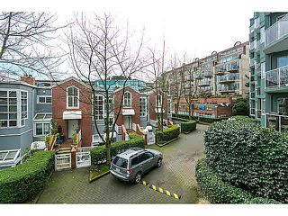 "Photo 12: 201 1508 MARINER Walk in Vancouver: False Creek Condo for sale in ""MARINER'S POINT"" (Vancouver West)  : MLS®# V1105308"