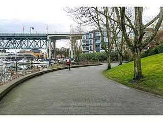 "Photo 16: 201 1508 MARINER Walk in Vancouver: False Creek Condo for sale in ""MARINER'S POINT"" (Vancouver West)  : MLS®# V1105308"