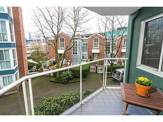"Photo 4: 201 1508 MARINER Walk in Vancouver: False Creek Condo for sale in ""MARINER'S POINT"" (Vancouver West)  : MLS®# V1105308"