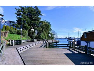 Photo 17: 818 Wollaston St in VICTORIA: Es Esquimalt House for sale (Esquimalt)  : MLS®# 692995