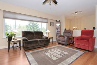 "Photo 3: 5959 ANGUS Place in Surrey: Cloverdale BC House for sale in ""CLOVERDALE"" (Cloverdale)  : MLS®# R2012672"