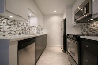 "Photo 4: 508 1009 EXPO Boulevard in Vancouver: Yaletown Condo for sale in ""Landmark 33"" (Vancouver West)  : MLS®# R2022624"