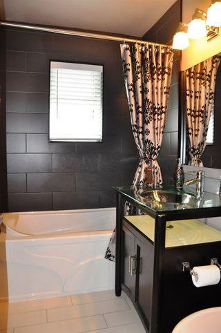 Photo 11: 835 ESSEX Avenue in Port Coquitlam: Lincoln Park PQ House Duplex for sale : MLS®# R2058872