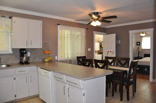 Photo 5: 835 ESSEX Avenue in Port Coquitlam: Lincoln Park PQ House Duplex for sale : MLS®# R2058872