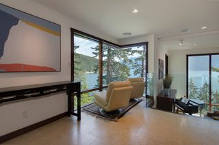 Photo 2: 264 JASON Road: Bowen Island House for sale : MLS®# R2073702