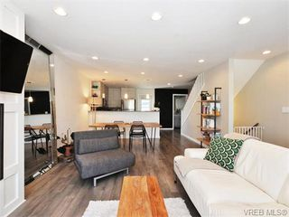 Photo 6: 9 3356 Whittier Ave in VICTORIA: SW Rudd Park Row/Townhouse for sale (Saanich West)  : MLS®# 742950