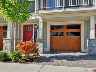 Photo 1: 9 3356 Whittier Ave in VICTORIA: SW Rudd Park Row/Townhouse for sale (Saanich West)  : MLS®# 742950