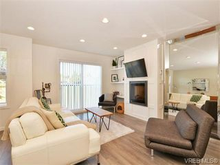Photo 5: 9 3356 Whittier Ave in VICTORIA: SW Rudd Park Row/Townhouse for sale (Saanich West)  : MLS®# 742950