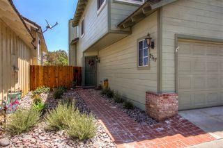 Photo 2: EL CAJON House for sale : 3 bedrooms : 2767 Blackbush Ln