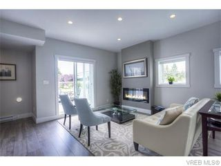 Photo 4: 118 2737 Jacklin Road in VICTORIA: La Langford Proper Townhouse for sale (Langford)  : MLS®# 372052