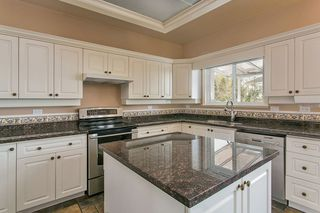 "Photo 5: 16643 85B Avenue in Surrey: Fleetwood Tynehead House for sale in ""Cedar Grove"" : MLS®# R2143278"