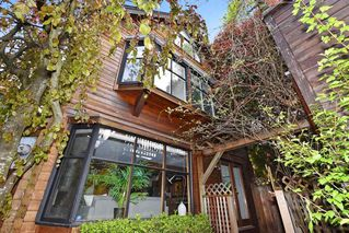 Photo 1: 2648 W 5TH Avenue in Vancouver: Kitsilano House 1/2 Duplex for sale (Vancouver West)  : MLS®# R2165629
