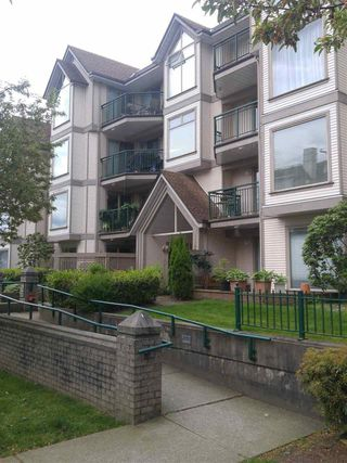 Photo 2: 209 1650 GRANT Avenue in Port Coquitlam: Glenwood PQ Condo for sale : MLS®# R2166638