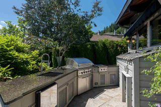 Photo 18: 2594 PANORAMA Drive in North Vancouver: Deep Cove House for sale : MLS®# R2180444
