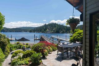 Photo 3: 2594 PANORAMA Drive in North Vancouver: Deep Cove House for sale : MLS®# R2180444