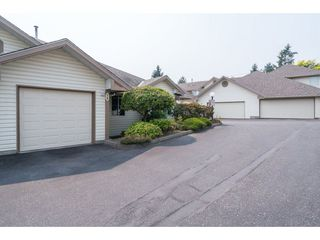 Photo 2: 36 6140 192 Street in Surrey: Cloverdale BC Townhouse for sale (Cloverdale)  : MLS®# R2195328