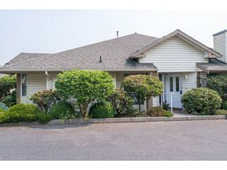 Photo 1: 36 6140 192 Street in Surrey: Cloverdale BC Townhouse for sale (Cloverdale)  : MLS®# R2195328