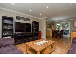 Photo 3: 19368 62A Avenue in Surrey: Clayton House for sale (Cloverdale)  : MLS®# R2204704