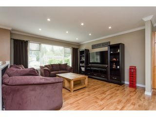 Photo 2: 19368 62A Avenue in Surrey: Clayton House for sale (Cloverdale)  : MLS®# R2204704