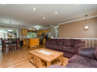 Photo 4: 19368 62A Avenue in Surrey: Clayton House for sale (Cloverdale)  : MLS®# R2204704
