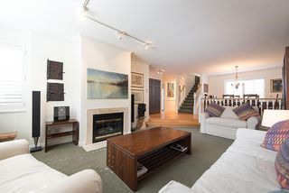 """Photo 3: 2 1511 MAHON Avenue in North Vancouver: Central Lonsdale Townhouse for sale in """"Heritage Court"""" : MLS®# R2206665"""