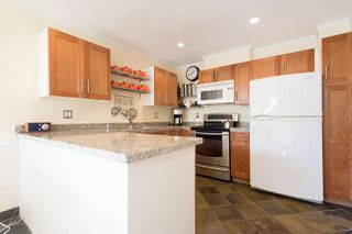 """Photo 5: 2 1511 MAHON Avenue in North Vancouver: Central Lonsdale Townhouse for sale in """"Heritage Court"""" : MLS®# R2206665"""
