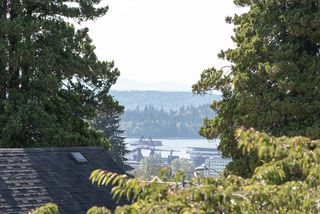 "Photo 14: 2 1511 MAHON Avenue in North Vancouver: Central Lonsdale Townhouse for sale in ""Heritage Court"" : MLS®# R2206665"