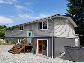 Main Photo: 6122 LOOKOUT Avenue in Sechelt: Sechelt District House for sale (Sunshine Coast)  : MLS®# R2270752