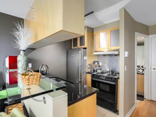 "Photo 8: 505 1003 BURNABY Street in Vancouver: West End VW Condo for sale in ""The Milano"" (Vancouver West)  : MLS®# R2276675"