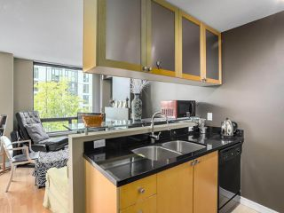 "Photo 9: 505 1003 BURNABY Street in Vancouver: West End VW Condo for sale in ""The Milano"" (Vancouver West)  : MLS®# R2276675"