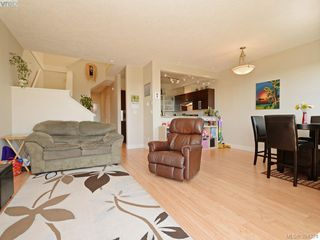 Photo 2: 2094 Greenhill Rise in VICTORIA: La Bear Mountain Row/Townhouse for sale (Langford)  : MLS®# 790545