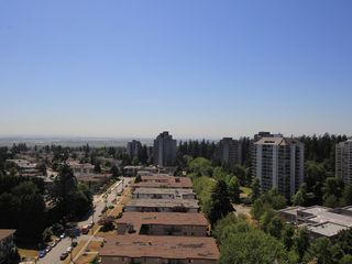 "Photo 16: 1506 4360 BERESFORD Street in Burnaby: Metrotown Condo for sale in ""MODELLO"" (Burnaby South)  : MLS®# R2288907"