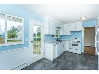 Photo 9: 27456 43 Avenue in Langley: Salmon River House for sale : MLS®# R2298004