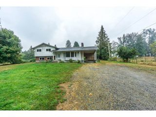 Photo 2: 27456 43 Avenue in Langley: Salmon River House for sale : MLS®# R2298004