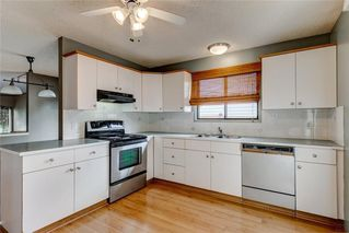Photo 3: 228 WOODBINE Boulevard SW in Calgary: Woodbine Detached for sale : MLS®# C4204614