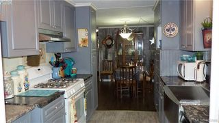 Photo 9: 33 2587 Selwyn Rd in VICTORIA: La Mill Hill Manufactured Home for sale (Langford)  : MLS®# 800125