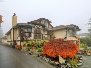 Photo 34: 2800 Austin Ave in VICTORIA: SW Gorge Single Family Detached for sale (Saanich West)  : MLS®# 800400