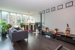 "Photo 4: 208 1159 MAIN Street in Vancouver: Mount Pleasant VE Condo for sale in ""CITYGATE II"" (Vancouver East)  : MLS®# R2325232"
